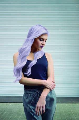 """צבע לשיער טונר קין לשיער בלונד או מובהר בגוון לילך 60 מ""""ל KIN ללא אמוניה"""